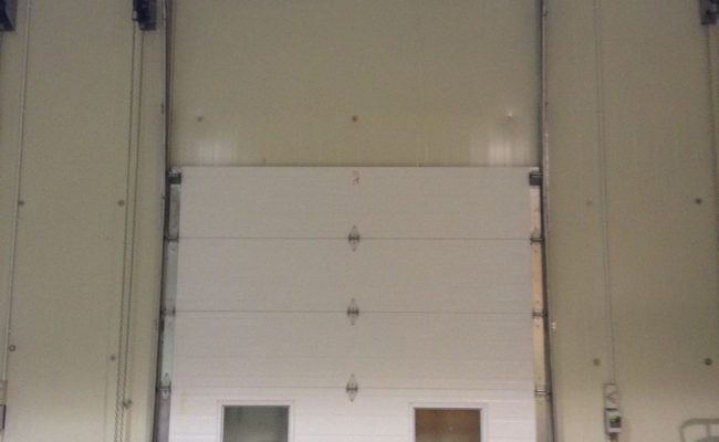 Insulated Door_Vertical Lift Sectional Door